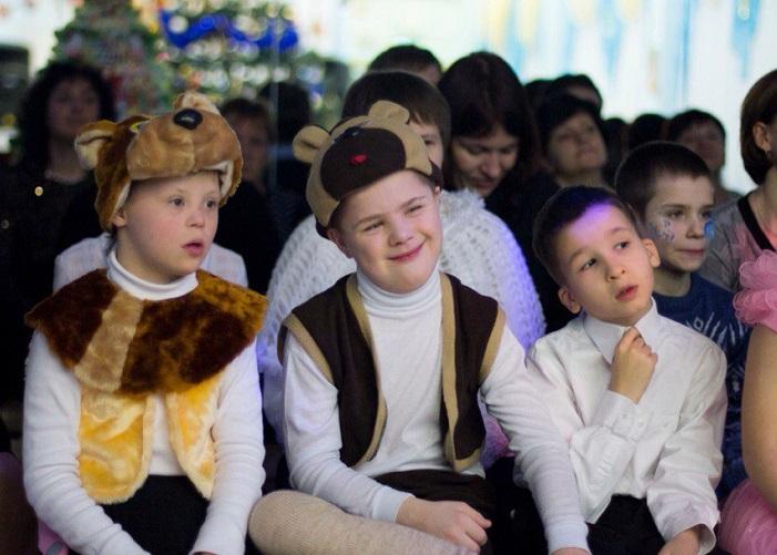 Новогодний праздник в детском доме